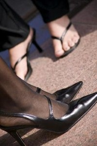 Bare feet in the office: Harmless or health hazard?