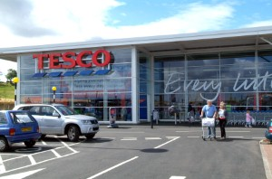 Tesco will remove a number of big brands from its stores in a bid to reduce the number of added-sugar drinks it sells.