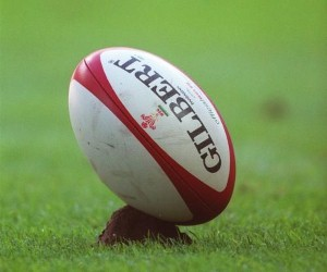 UK doctors are calling for tackling in rugby to be banned at schools throughout the country.