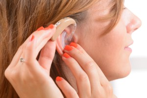 How can what people eat impact their risk of hearing loss? Image: humonia