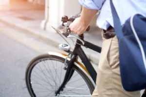 Commuting via cycling has significant heart health benefits, new research shows. Image: paolo81 via iStock