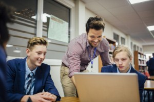 Children and adolescents need access to improved mental health support at school, a new report highlights. Image: DGLimages via iStock