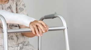 Access to bone mineral density information could help radiographers to reduce their patients fracture risk. Image: Toa55 via iStock