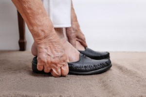 The College of Podiatry has published advice on the most appropriate winter shoes for older people to wear to prevent falls. Image: Toa55 via iStock