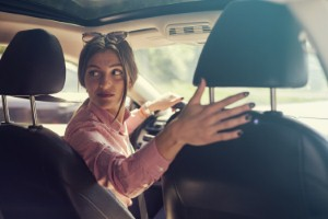 High rates of neck and back pain among car drivers are leaving millions in need of physiotherapy, a new report highlights. Image: Dusan Ilic via iStock