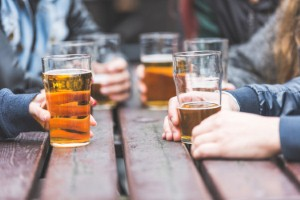 Regularly consuming more than the recommended alcohol units can dramatically increase the risk of heart disease or stroke. Image: william87 via iStock