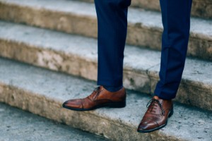 Shoes with narrow toe spaces and in-built insoles are leading to an increase in foot pain and infections among men, a podiatrist has revealed. Image: Nadtochly via iStock