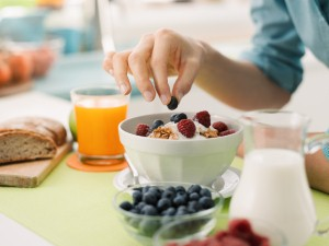 Eating a healthier diet may help to reduce the risk of hearing loss in women, according to a new study.
